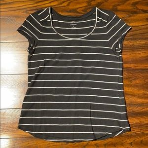 Banana republic black white striped Malibu tee M